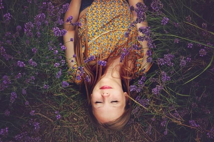 besser schlafen Tipps Lavendel und Baldrian