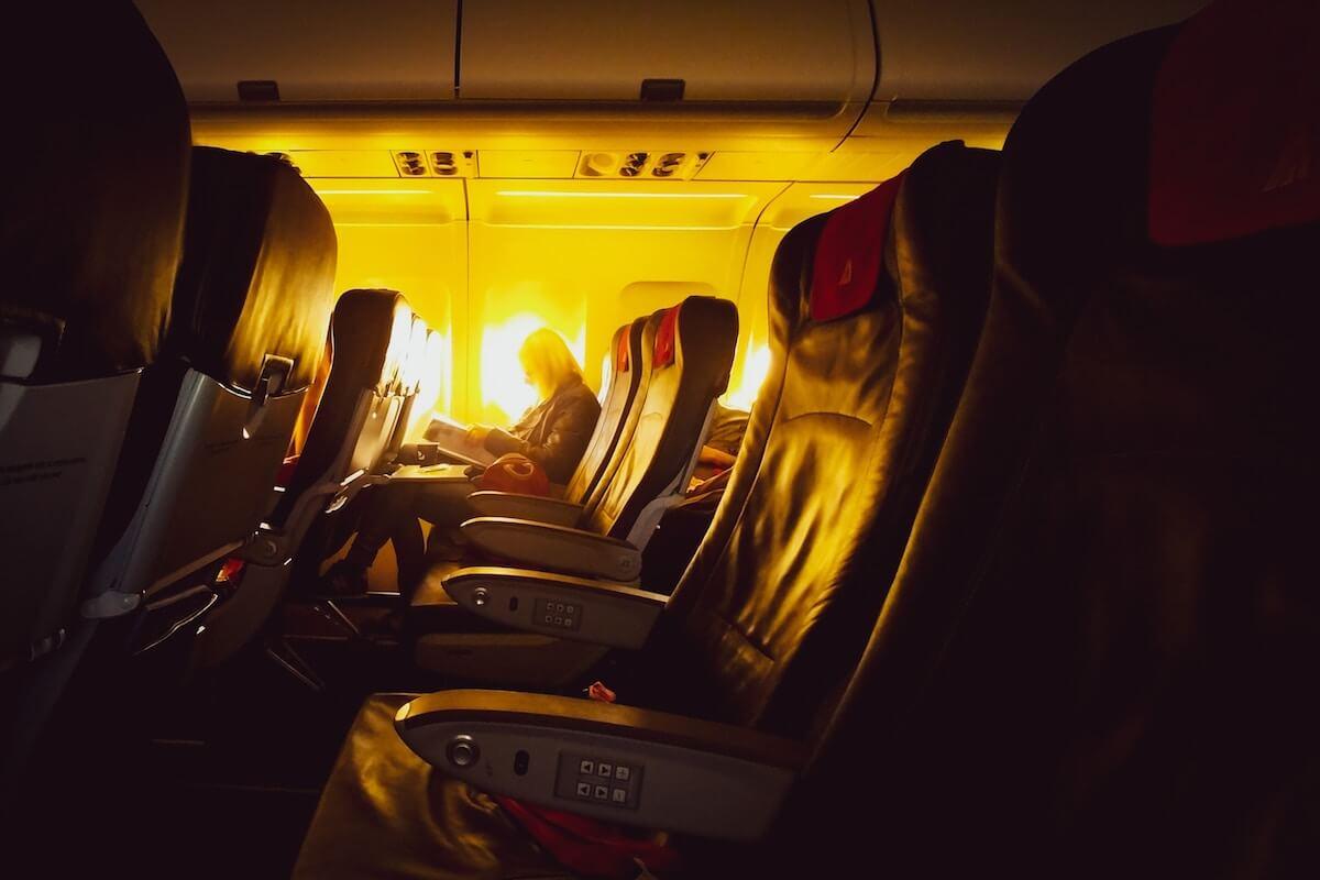schlafen im Flugzeug Licht Schlafmaske