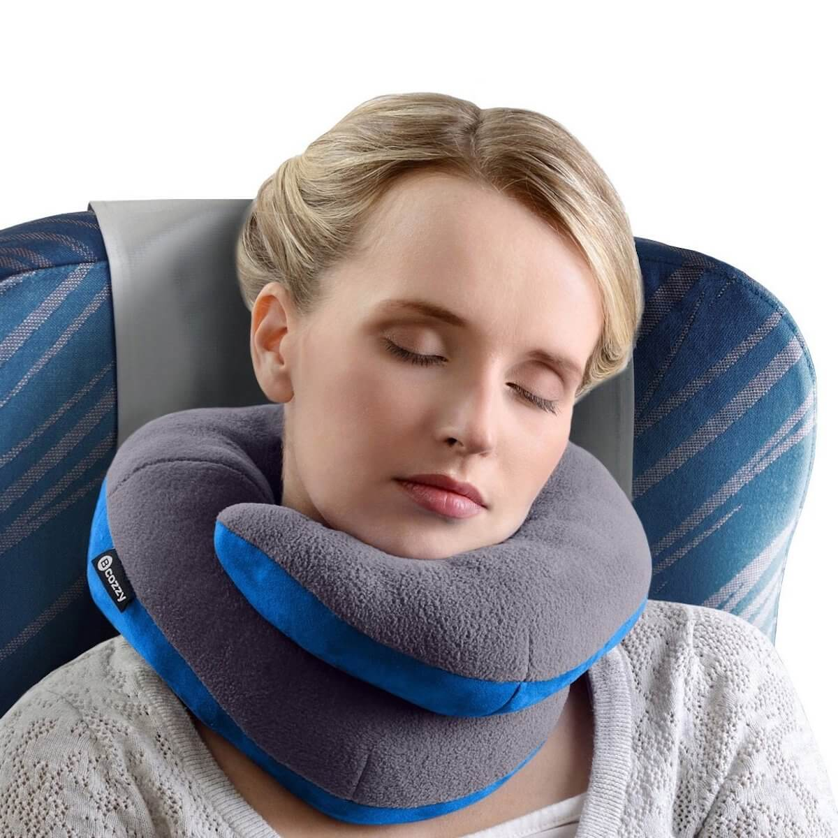schlafen im Flugzeug Nackenkissen