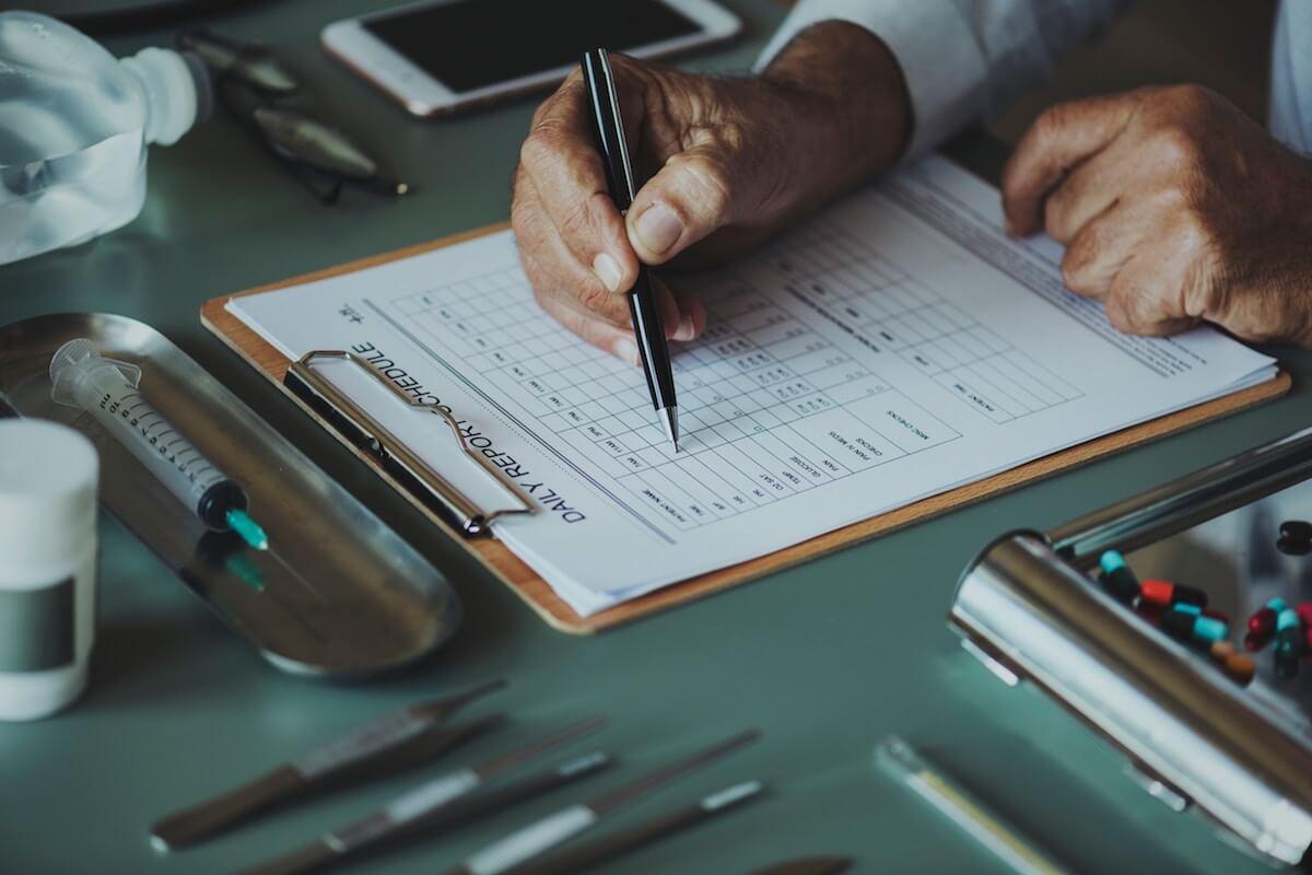 Schnarchen stoppen Behandlungsmethoden